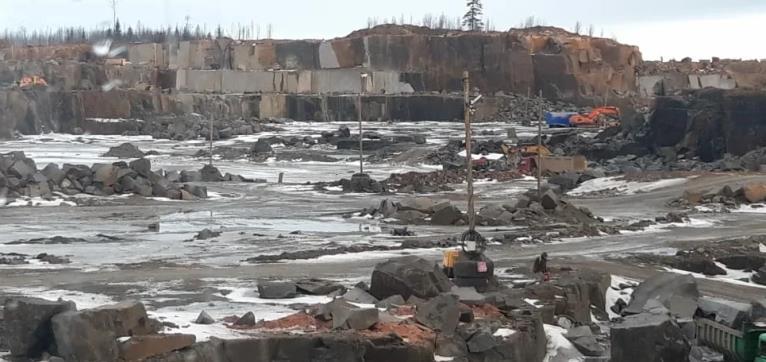 Добыча габбро-диабаза в Карелии